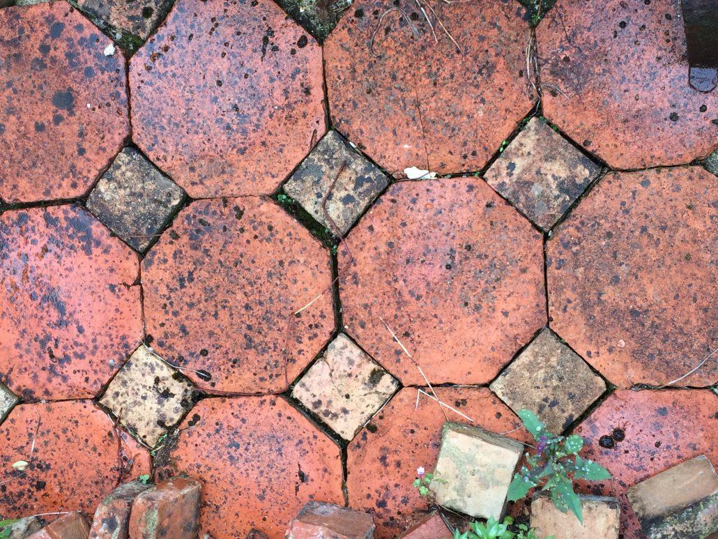 Carrelage tomettes en terre cuite dallages for Carrelage en terre cuite entretien